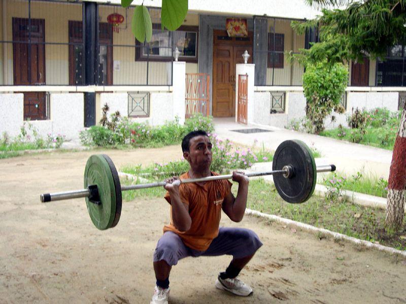 Ravi squat