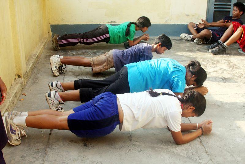 Kids plank