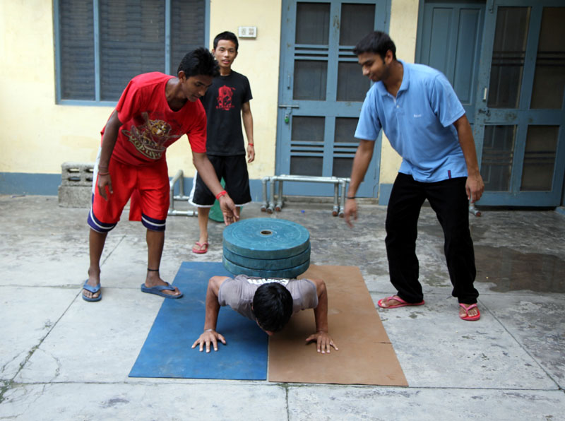 Gautam Weighted Pushup